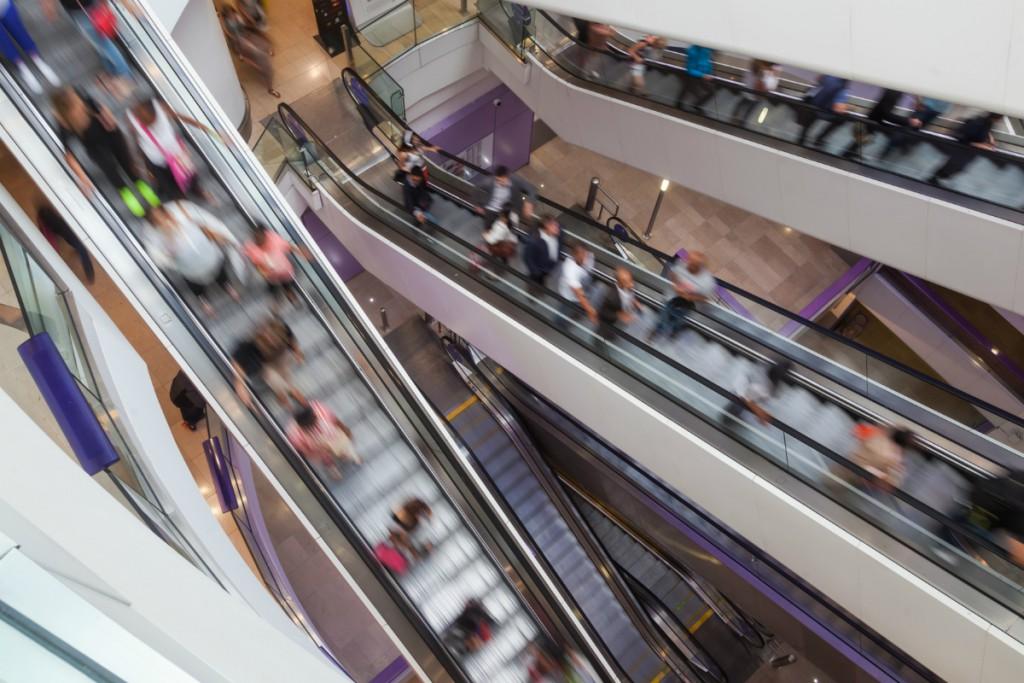 Dependientes y reponedores de centros comerciales