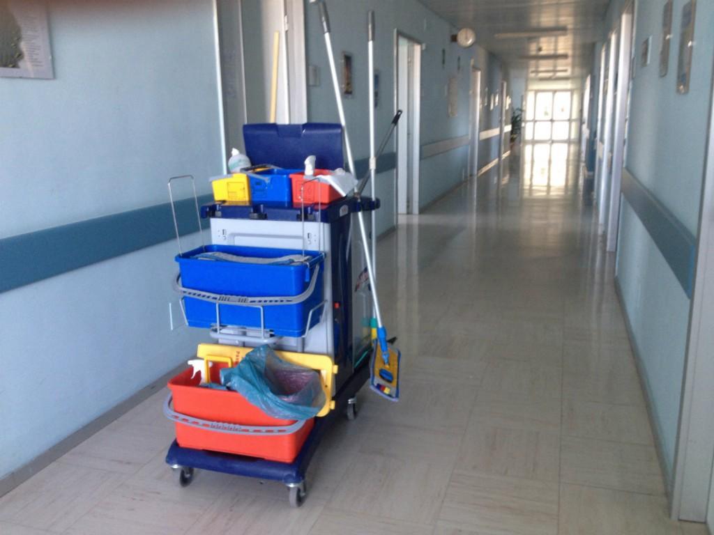 Trabajos de limpieza en centros sanitarios