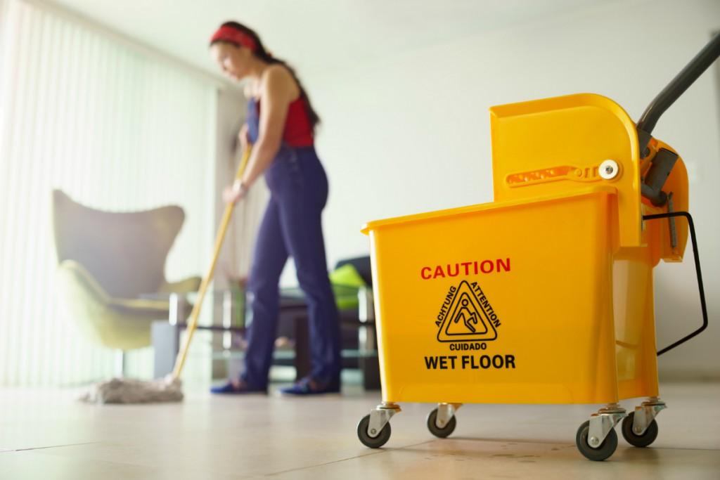 Trabajos de limpieza en interiores